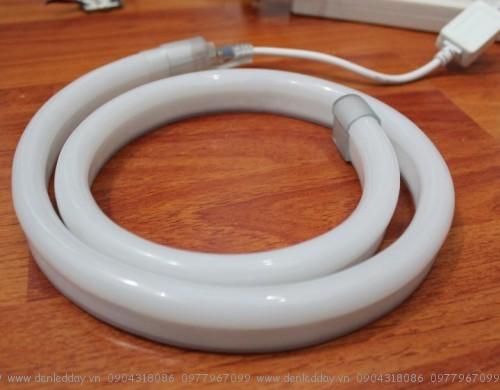 Một đoạn ống đèn led Flex kết nối hoàn chỉnh