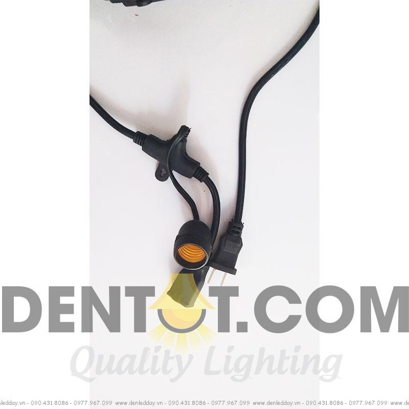 Hệ thống dây cáp điện và đui đèn được thiết kế và đúc kín, chống mưa hiệu quả cao khi sử dụng ngoài trời