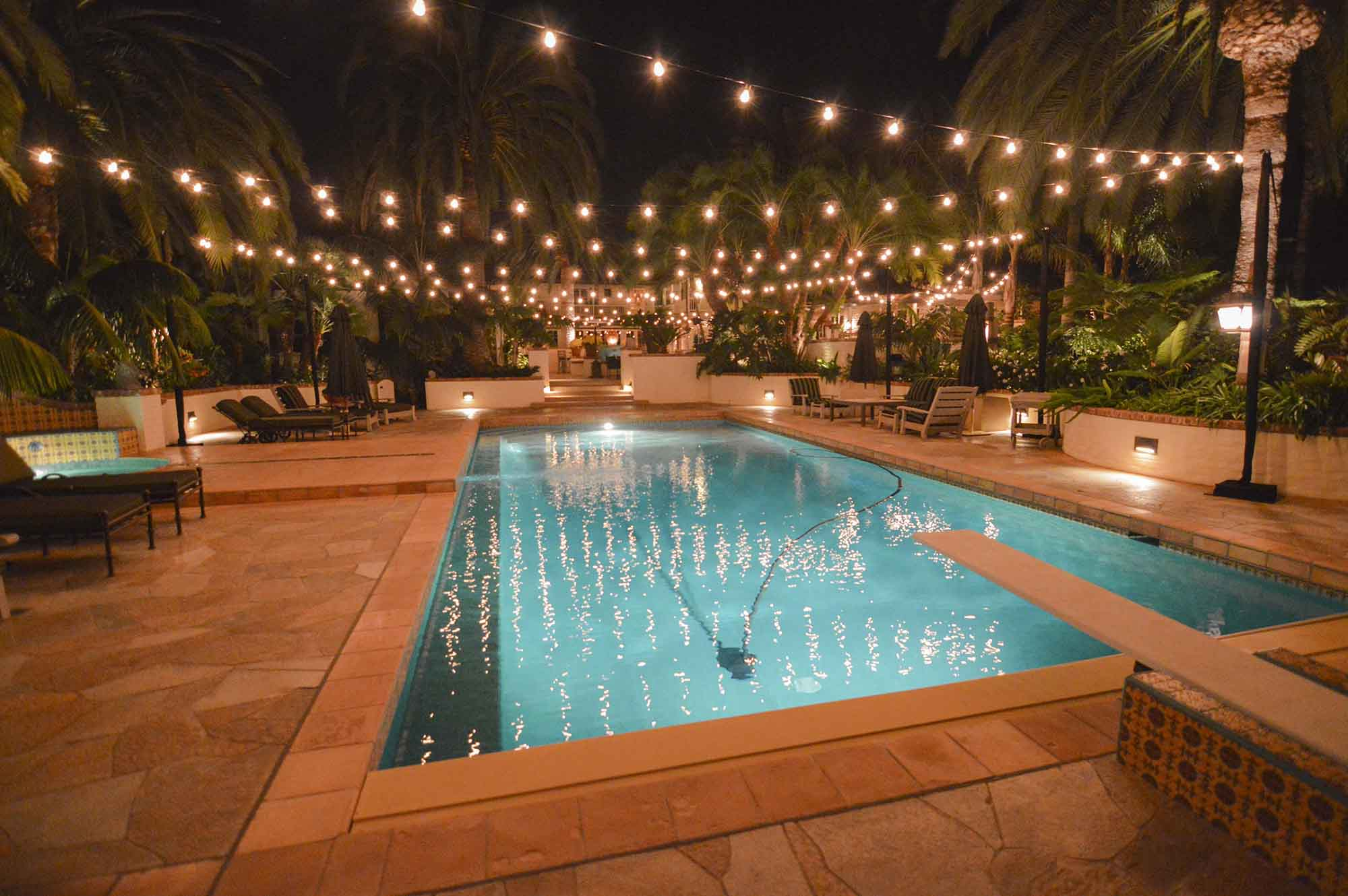 Market-Lights_Accross-Pool