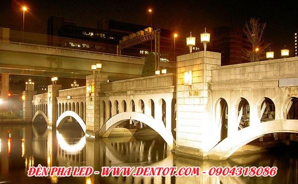 Đèn pha LED chiếu sáng cầu