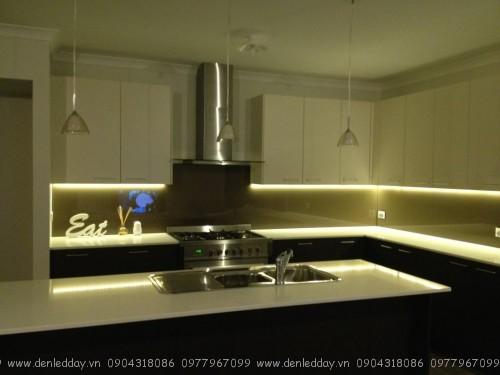 Đèn led dây trang trí tủ bếp