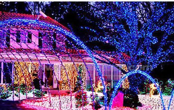 Noel đẹp lung linh nhờ đèn nháy LED