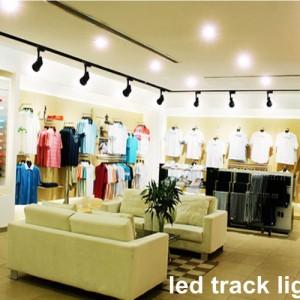 Đèn trang trí shop thời trang