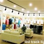 Đèn rọi Shop quần áo