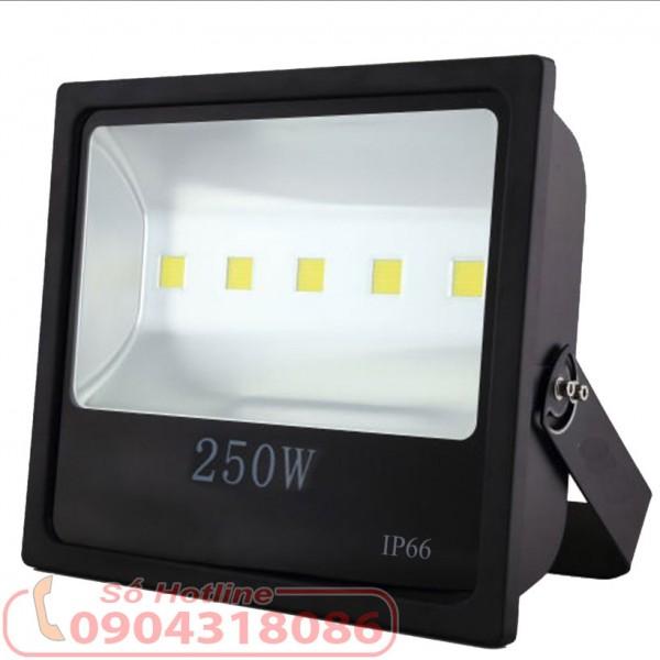 Đèn pha LED ngoài trời 250W