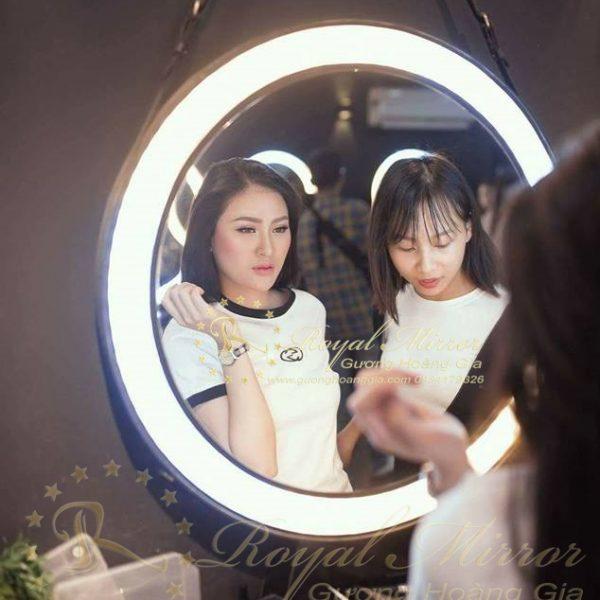 Gương trang điểm LED cảm ứng thông minh siêu sáng